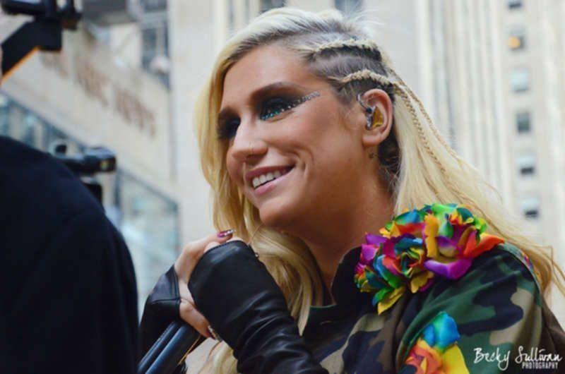 """Kesha Alleges She Still Hasn't Been Paid Royalties, While Dr Luke Started His Own Scandal With Bombshell Message About Katy Perry<span class=""""wtr-time-wrap after-title""""><span class=""""wtr-time-number"""">2</span> min read</span>"""