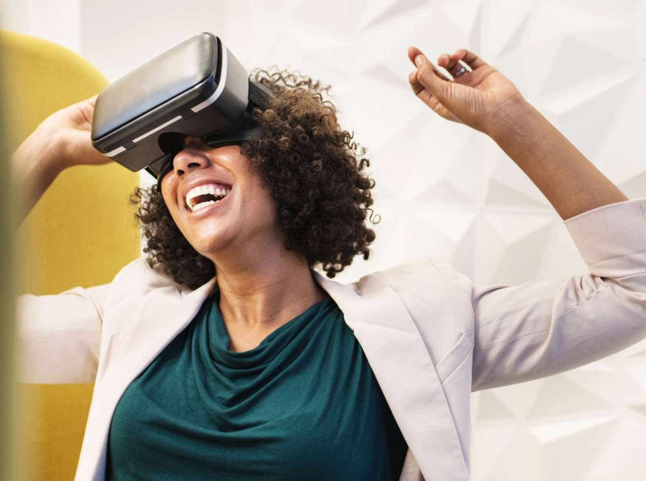 How Augmented and Virtual Reality is Playing a Major Role in Surgery