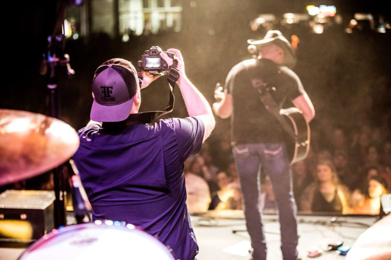 3 Lessons Country Music Artist, Frank Foster Has For Millennials About the Music Industry