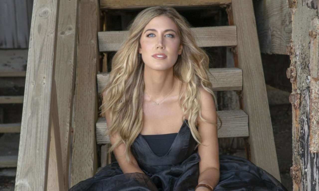 Country Artist, Bailey Hefley, Debuts New Single, 'Dust On A Diamond' Off New EP
