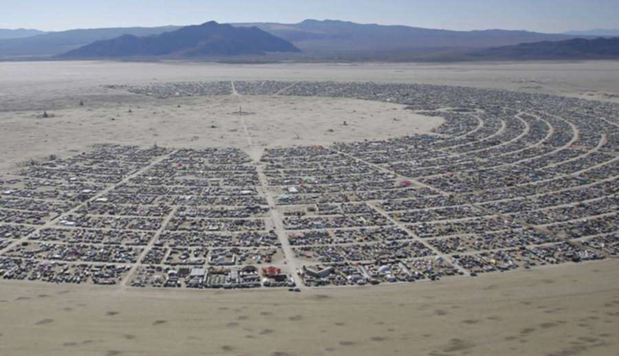 "Build That Wall! …Around Burning Man?<span class=""wtr-time-wrap after-title""><span class=""wtr-time-number"">4</span> min read</span>"