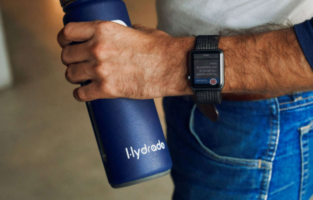 """Hydrade Smart Bottle Tech Tracks Water Consumption, Prompts You When To Drink<span class=""""wtr-time-wrap after-title""""><span class=""""wtr-time-number"""">3</span> min read</span>"""