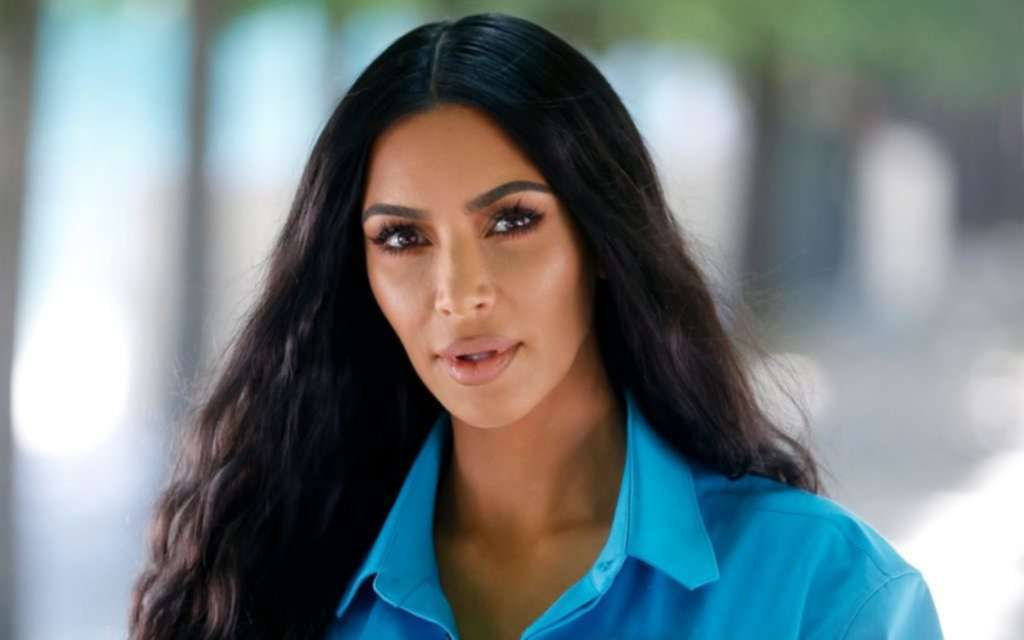 """Kim Kardashian Has Been Silently Advocating For Prisoners This Whole Time<span class=""""wtr-time-wrap after-title""""><span class=""""wtr-time-number"""">3</span> min read</span>"""