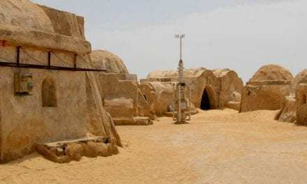 """Star Wars Fans Can Attend Rave At """"Tattooine"""" Filming Location"""