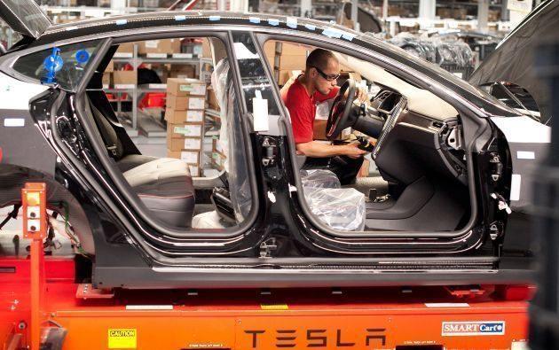 Is #TeslaPaintIssues the next headline hurdle for Tesla?