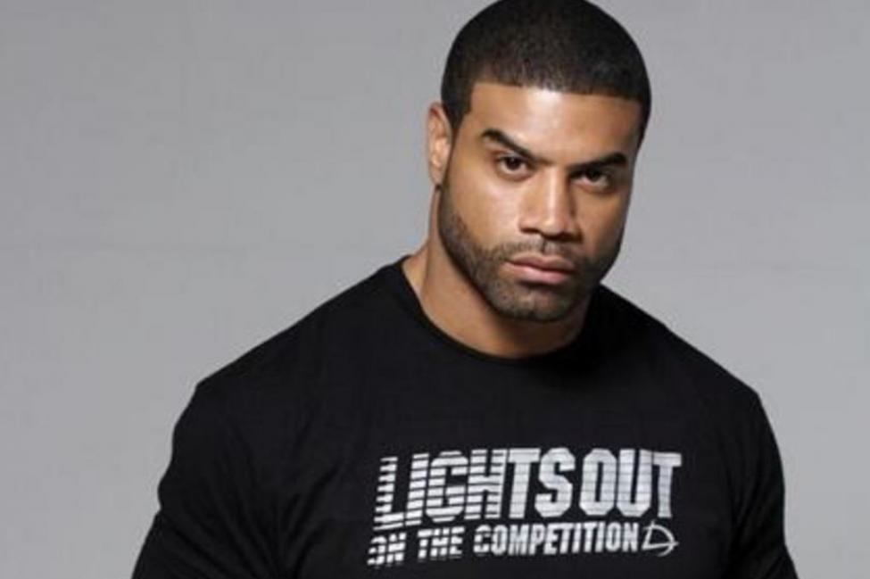 Former NFL All-Pro Linebacker Shawne Merriman on Putting QB's Lights Out and Building a Growing Apparel Brand