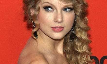 Taylor Swift Says She Can't Perform Her Old Songs