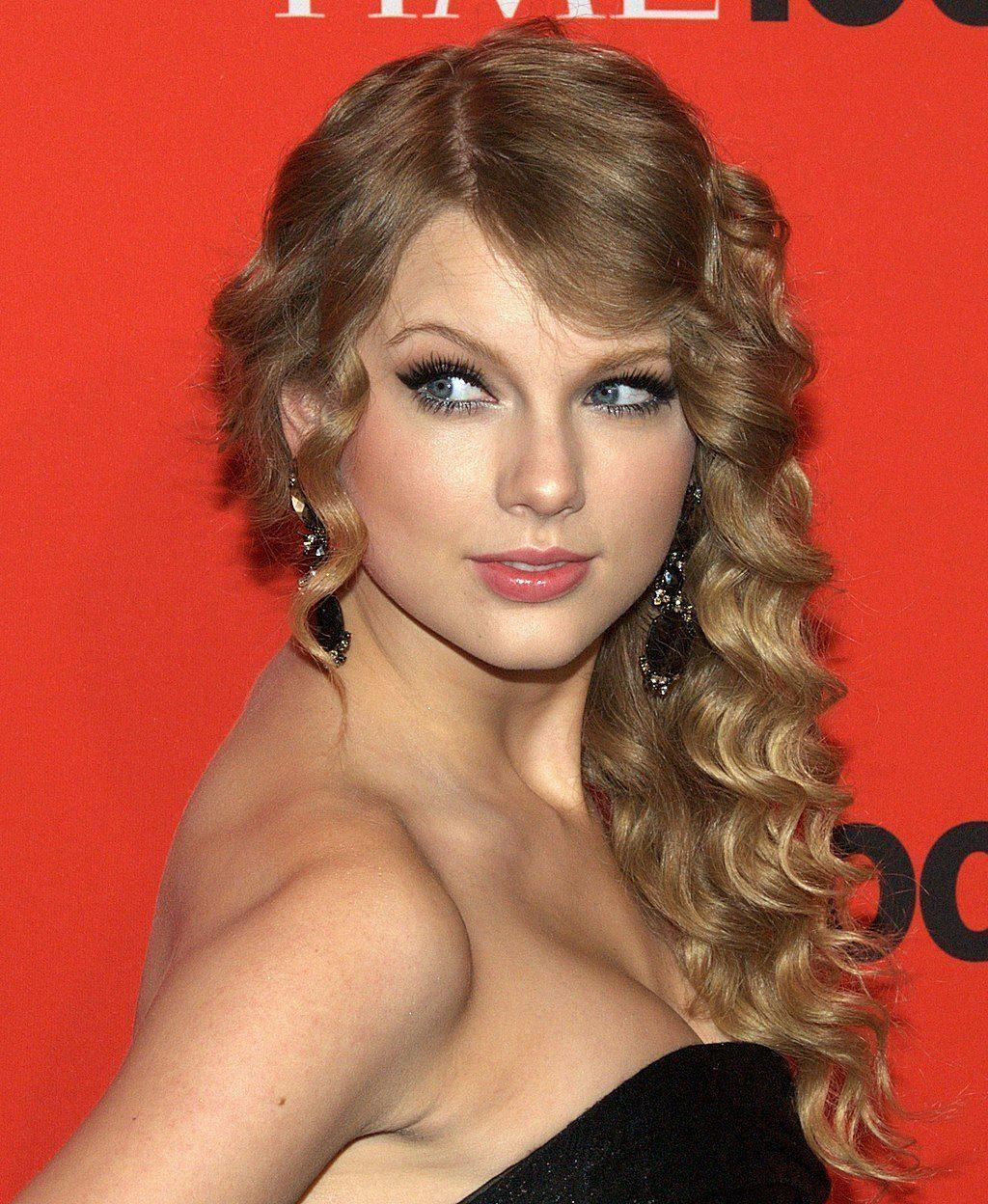 Taylor Swift Says She Can T Perform Her Old Songs Grit Daily News