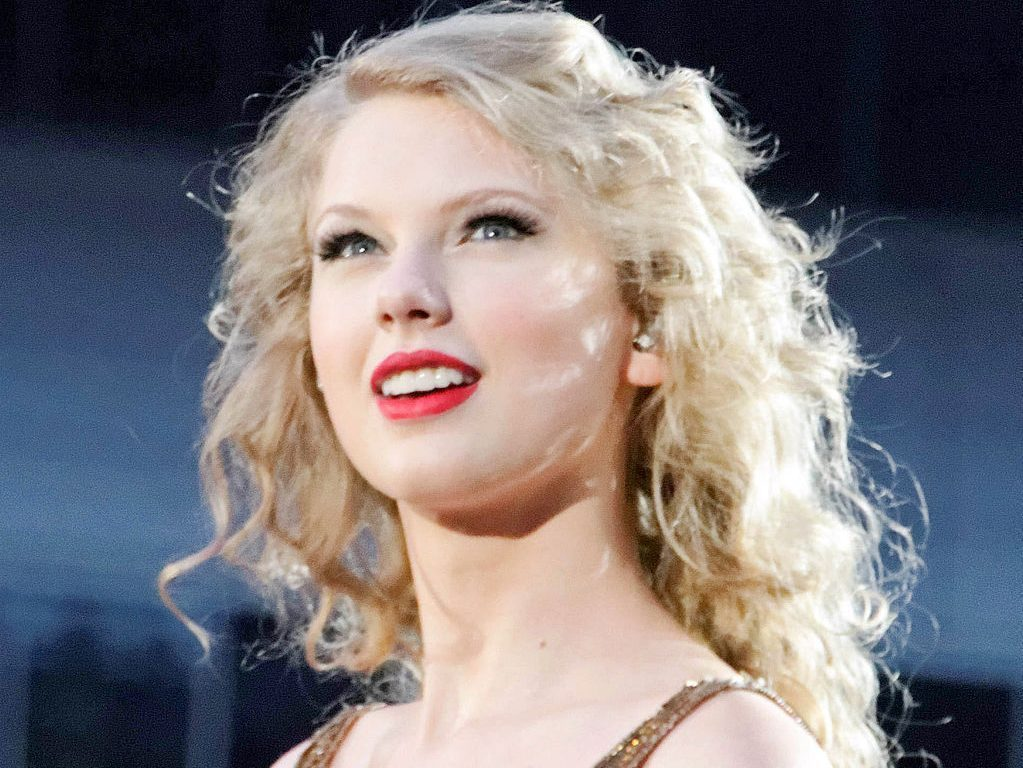 "Taylor Swift Drops ""Christmas Tree Farm"" With Nostalgic Music Video"