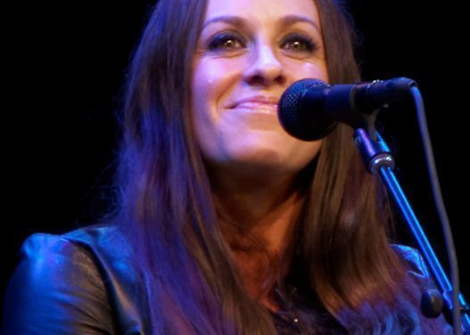 "Alanis Morissette Announces ""Jagged Little Pill"" Anniversary Tour"