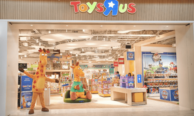 "Toys ""R"" Us is Back After Closing all Stores in 2018"