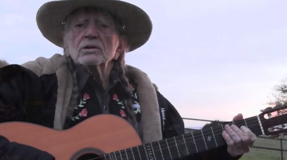 Willie Nelson Quits Smoking Marijuana. What's Happening in the World?