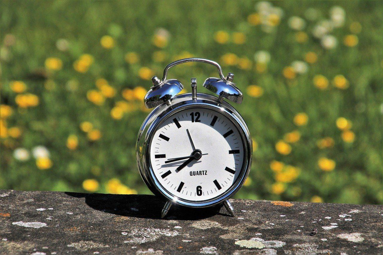 daylight-saving-time-3382879_1280