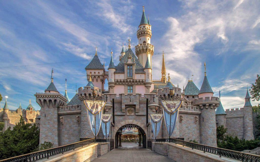 disneyland will close