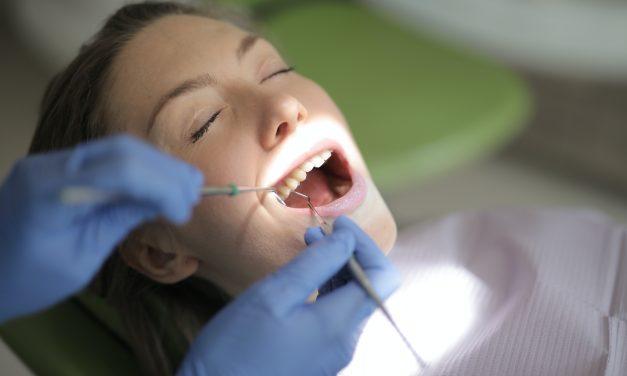 Celebrity Dentist Gabe Rosenthal is Still Doing House Calls During COVID-19